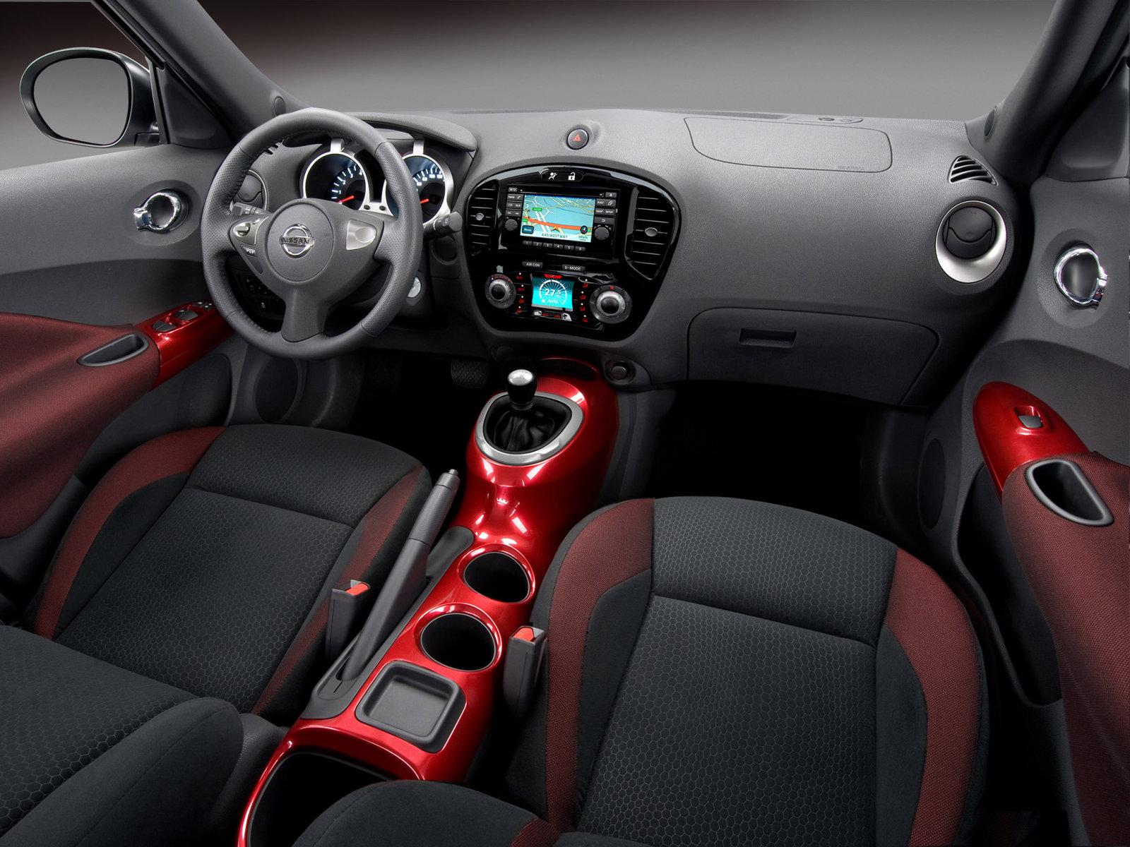 Фото салона Nissan Juke.