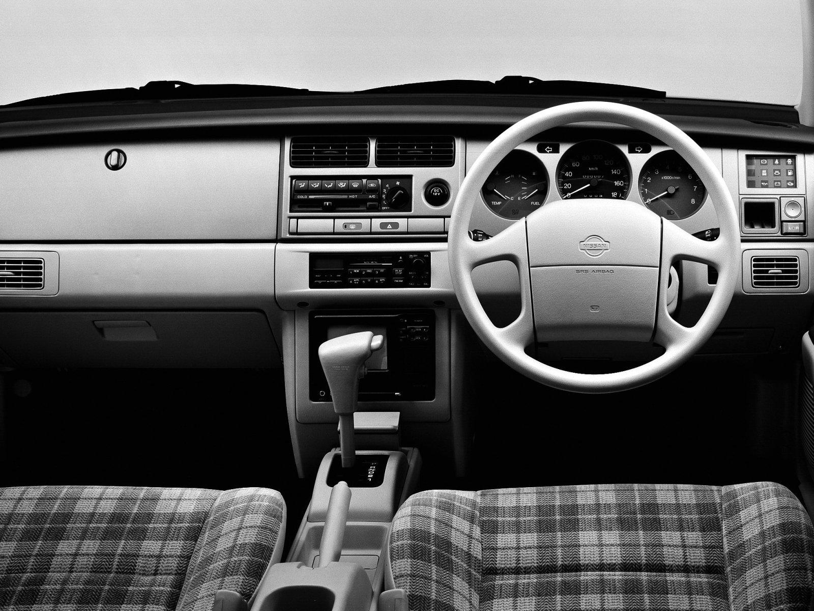 Nissan_Rasheen_SUV%205%20door_1994.jpg