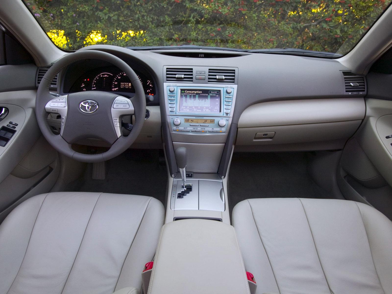 Toyota Camry Hybrid (2007) .
