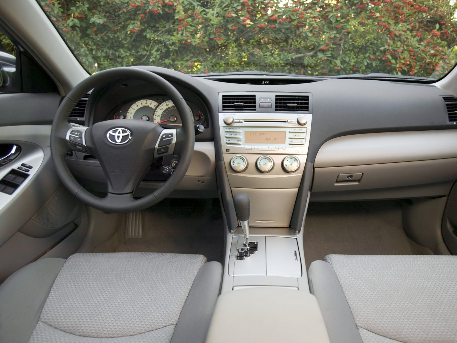 2007 Toyota Camry Photo Gallery.