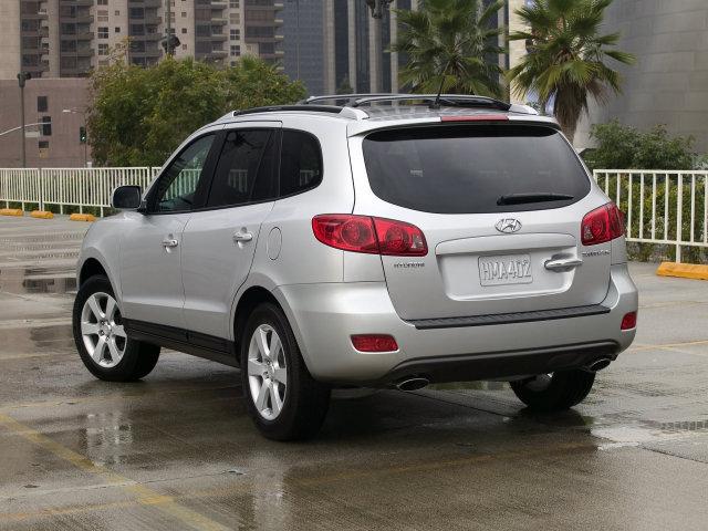 Hyundai рассматривает возможность выпуска бензиново-электрической версии модели Santa Fe для конкуренции с гибридом...