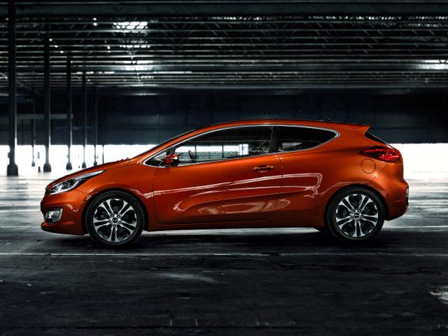 http://img7.autonavigator.ru/carsfoto/640/12549/201728/KIA_Pro%20Ceed_Hatchback%203%20door_2012.jpg
