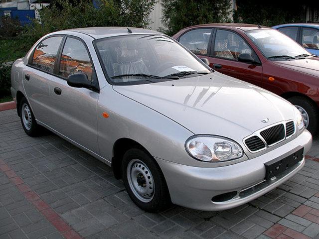 В Україні стали виготовляти майже вдвічі менше машин!