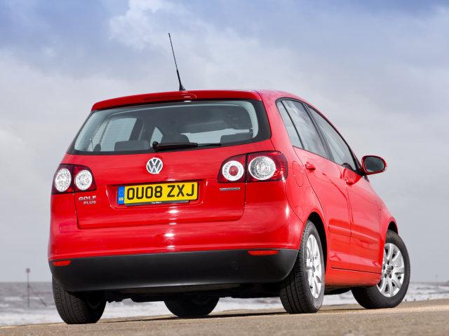Volkswagen Golf 5 Plus 2.0 TDI (2005 - 2008 г.в. Гамму двигателей для новинки составили 2 бензиновых мотора (1,4 л...