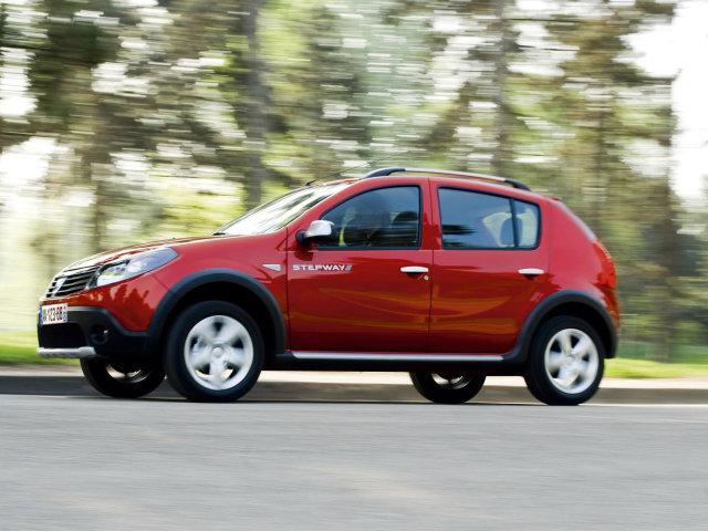 Автомобиль Renault Sandero Ste…