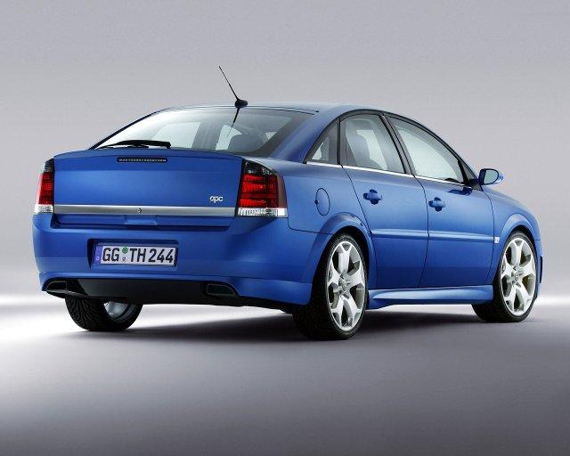 Opel_Vectra_Vectra%20GTS%20OPC_Hatchback%205%20door_2003.jpg