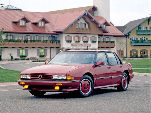 Pontiac_Bonneville_Sedan_1987.jpg