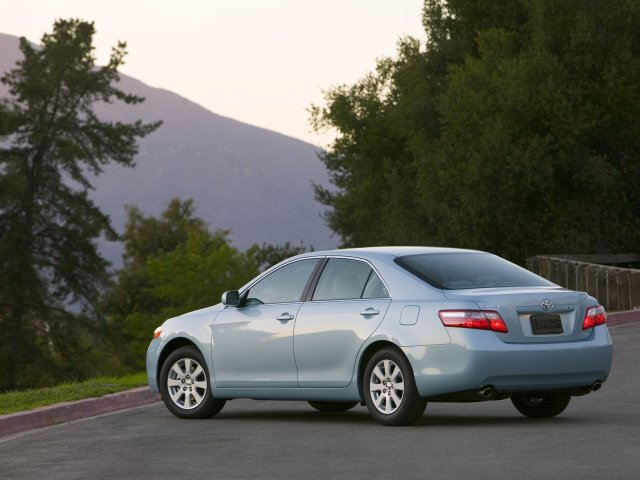 2009 Toyota Camry information.