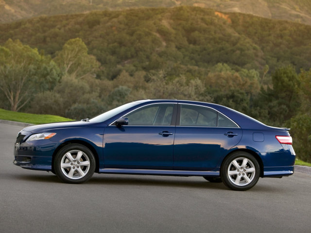 2009 Toyota Camry SE Picture.