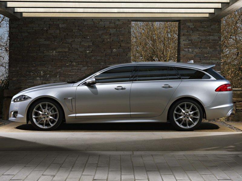 Jaguar официально представил универсал…