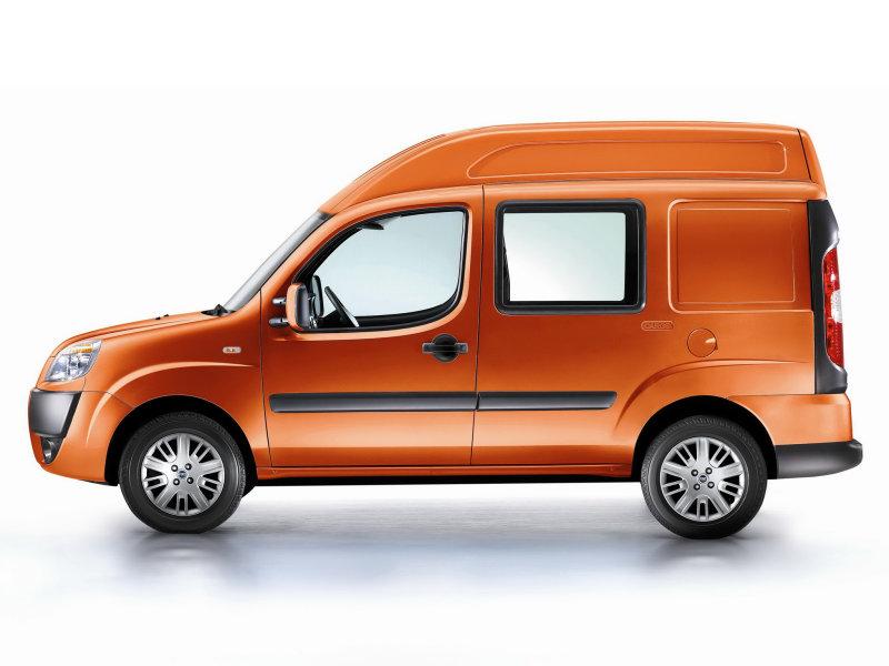 Fiat Doblo Cargo Maxi грузовой.