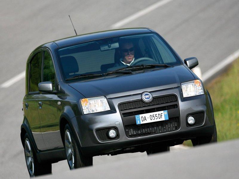 http://img2.autonavigator.ru/carsfoto/800/3025/36994/Fiat_Panda_Panda%201.4%20100HP%20Sport_Hatchback%205%20door.jpg