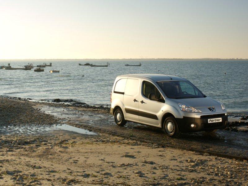 Peugeot Partner VU фургон - CARo…