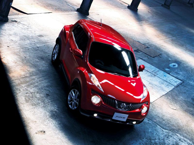Nissan фото.
