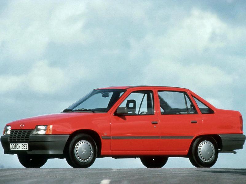 4 года с Daewoo Nexia N-150 Opel_Kadett_Sedan_1984
